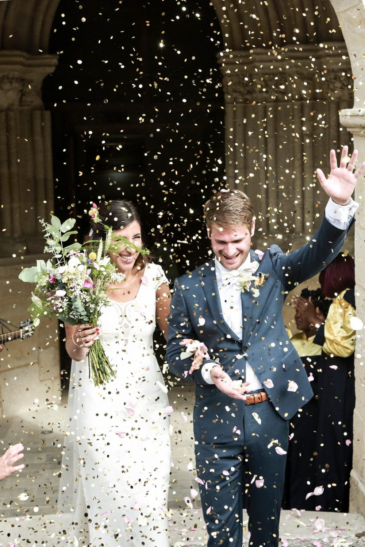 photo sortie eglise mariage Futurs mariés